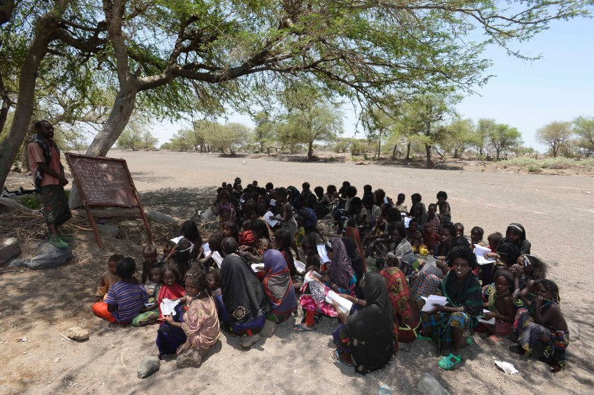 School children in Afar: One out of four children in Ethiopia suffers from malnutrition.